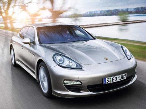 Play Porsche Panamera Puzzle Now!